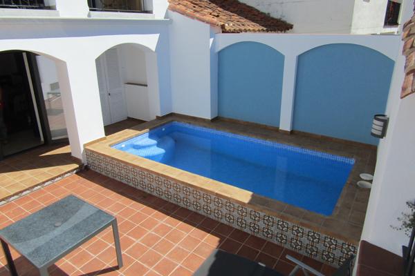 piscina-vivienda-sierra-de-huelva-nueva-construccion-arquitecto-aracena